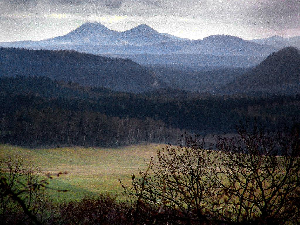 http://www.horydoly.cz/foto/krystofovoudoli1/img00001.jpg