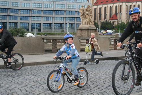 Prahou bezpečně na kole