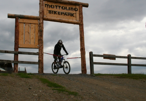 Mottolino: bikepark pro každého sjezdaře, amatéra i profíka