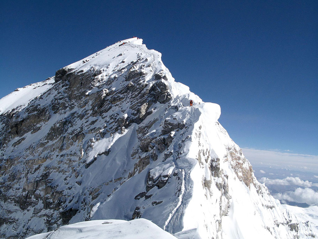 how to go about climbing mount everest