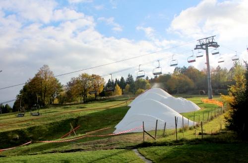 Začátek zimy v českých skiareálech