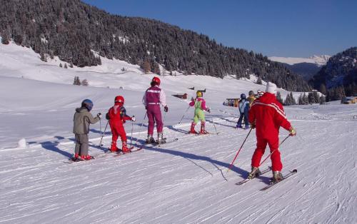 Kdy a jak dát děti do lyžařské školy?
