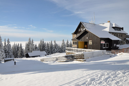 Volská louka: Horský hotel a Sokolská bouda