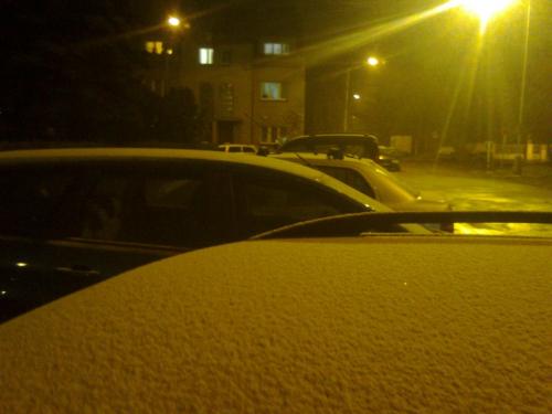 Praha. První sníh.