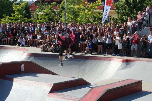 Gutovka Praha. Tony Hawk skateboard vacation.