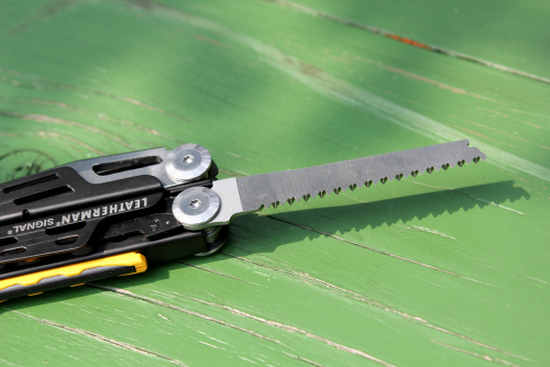 Multitool Leatherman Signal.