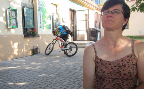 Na kole do hospody Na Kačabce.